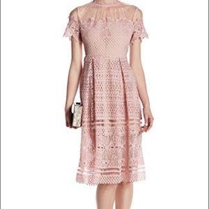 Romeo + Juliet Couture Pink Lace Midi Dress sz M